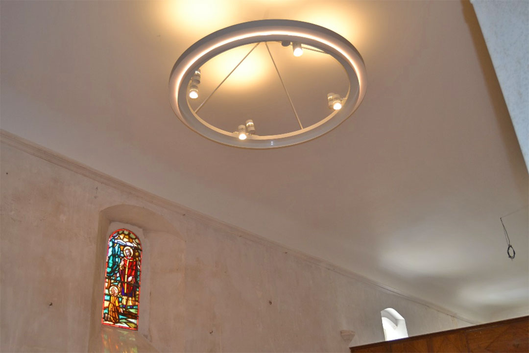 éclairage par led de l'eglise de Saint Georges du Bois