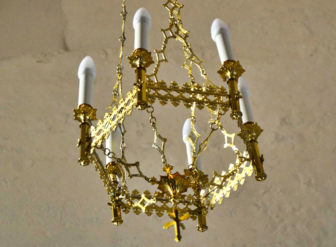 Lustre éclairage L'Eglise Saint Laurent De Sainte Soulle